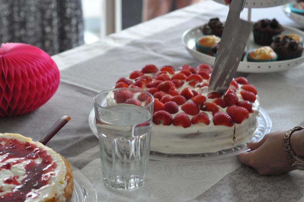 Mascarpone Torte mit Erdbeeren