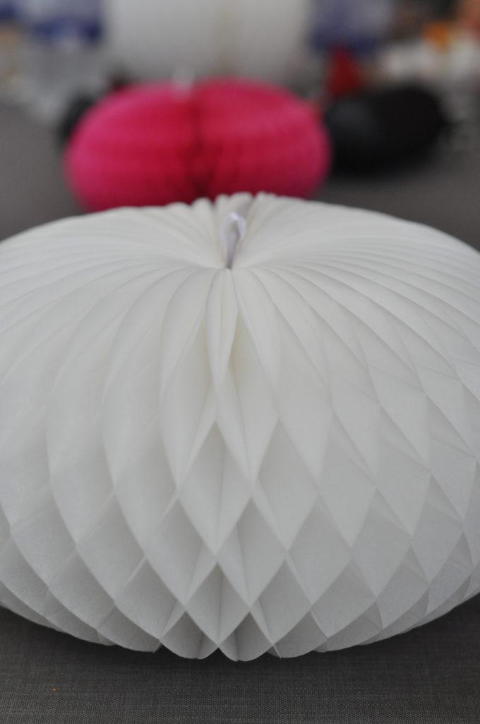 Pompom in weiß und pink von IKEA